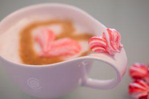 Herzen rot weiss.Tasse Kaffee 1 von 1