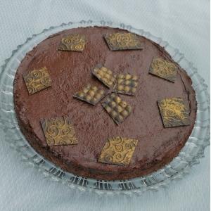 Schokoladentarte mit Dattel-Salzkaramell